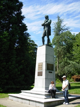 Robert Burns Statue in Stanley Park, Vancouver, BC, Canada